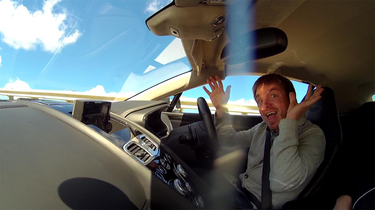 Как безнаказанно гонять 270 км.ч. на суперкаре?