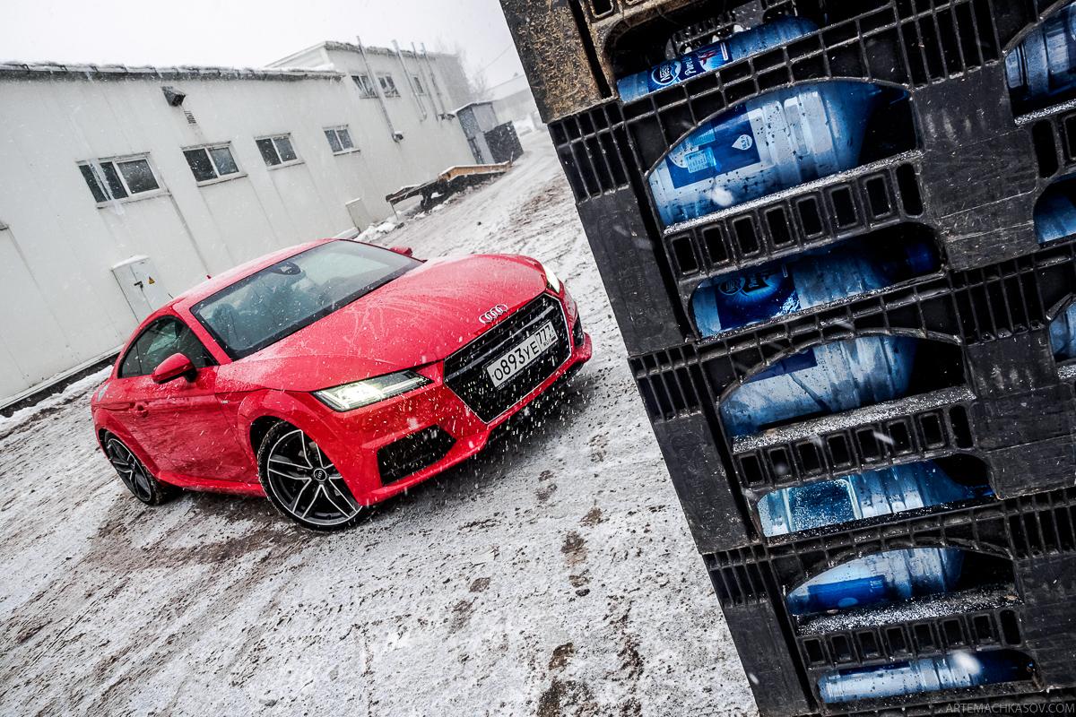 Нужно ли ездить зимой на спорткупе, или обзор Audi TT