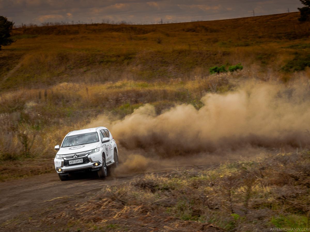 Мечтают ли владельцы пельменных о новом Mitsubishi Pajero Sport?